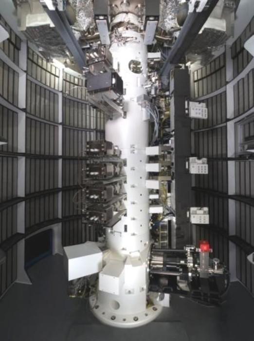 原子分解能・ホログラフィー電子顕微鏡の画像2