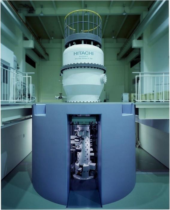 超高圧ホログラフィー電子顕微鏡の画像1
