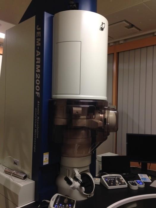 電子顕微鏡による撮像・元素分析の画像1