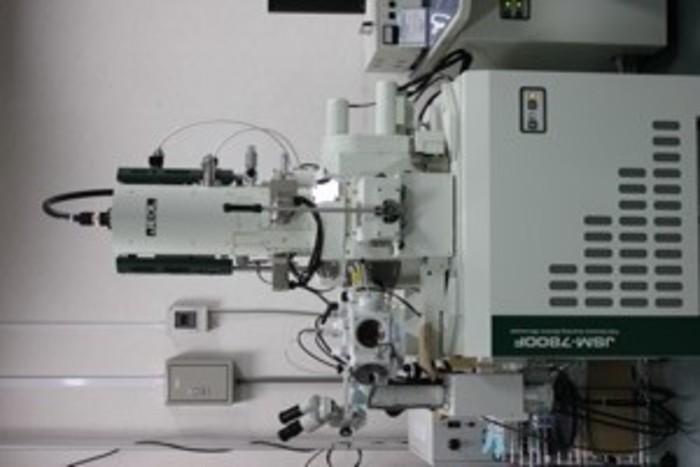 サーマル電界放出形走査電子顕微鏡の画像1