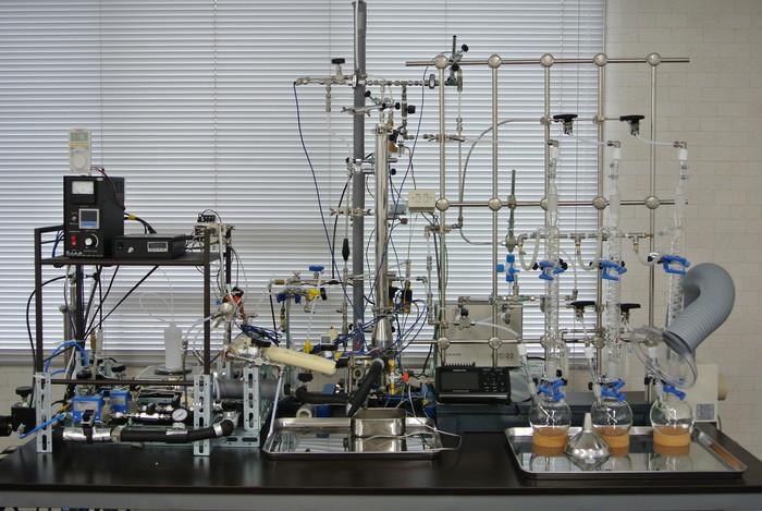 【都心から電車で30分圏内!】有機合成、多様な実験ができるラボの画像1