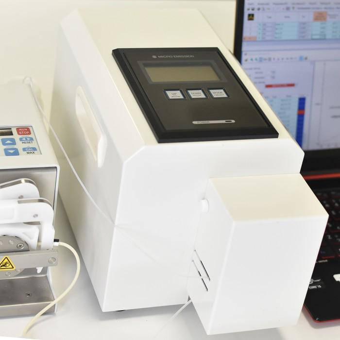 ポータブル元素分析装置の画像1
